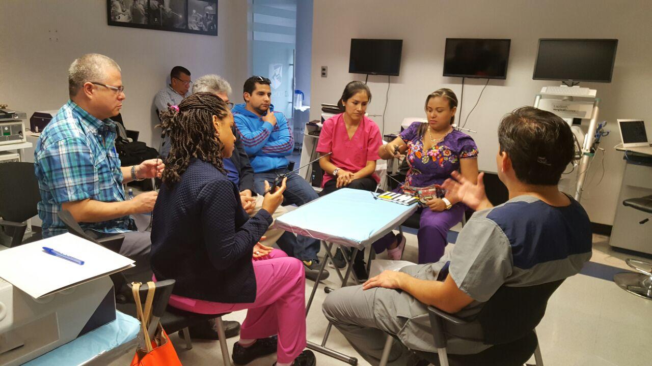 Grupos pequeños curso endoscopia